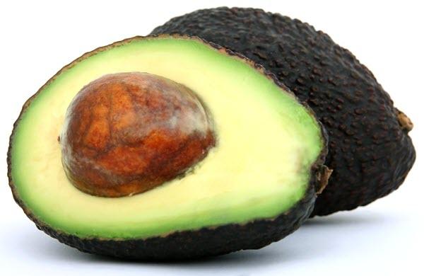 фото разрезанного авокадо