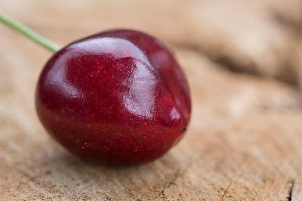 фото 1 плода вишни