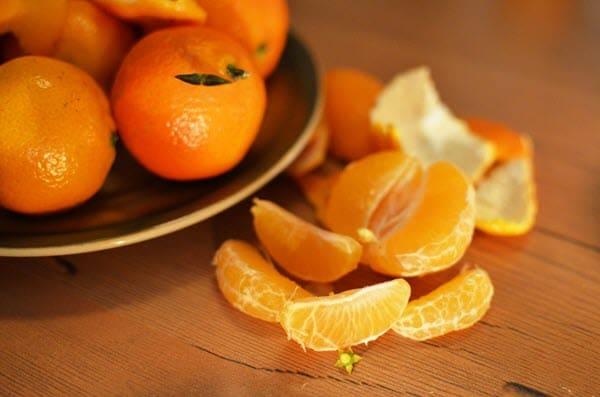 фото мандаринов на столе