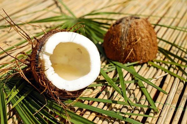 фото расколотого кокоса
