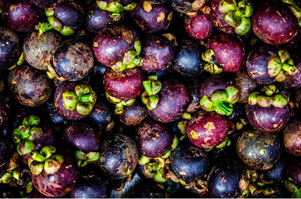 фото плодов мангостина в ящике