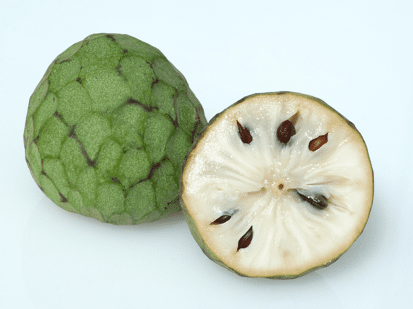 фото целого плода и разрезанного