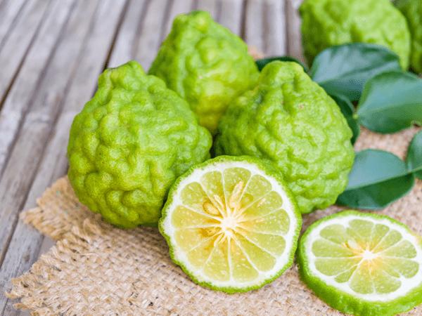 фото плодов бергамота на столе