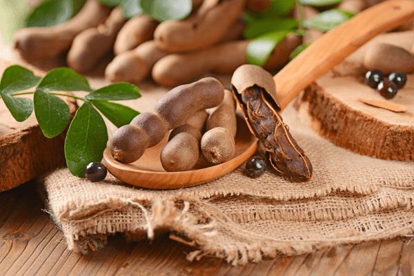фото плодов тамаринда на столе