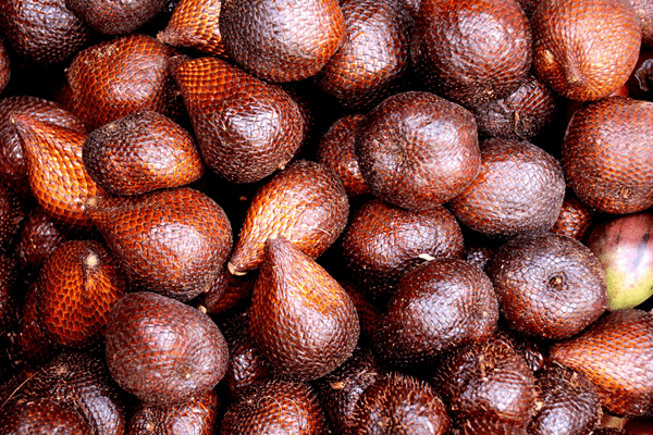 фото плодов салака на рынке