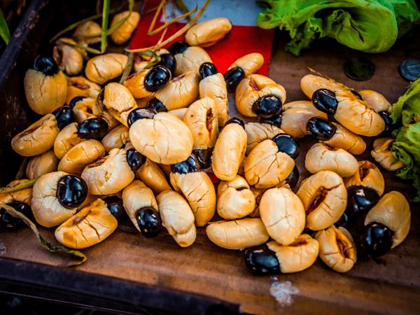 фото очищенных плодов аки с семенами